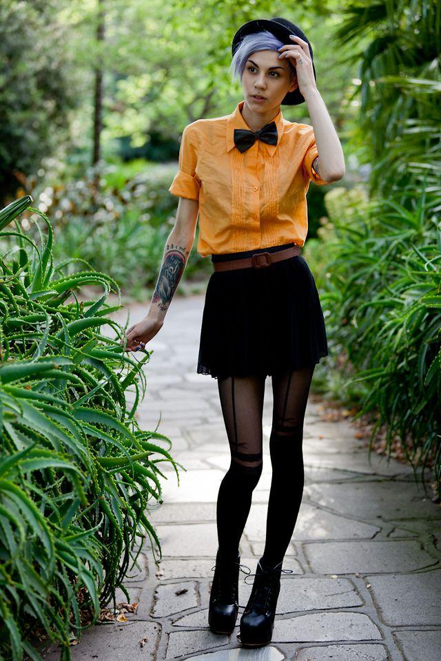 Žena u narandžastom